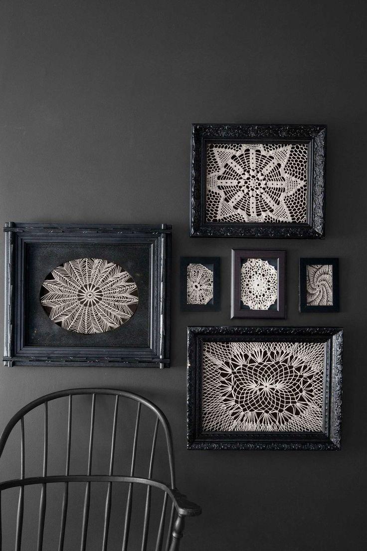 enmarcaciones de cuadros con ganchillos con marco negro